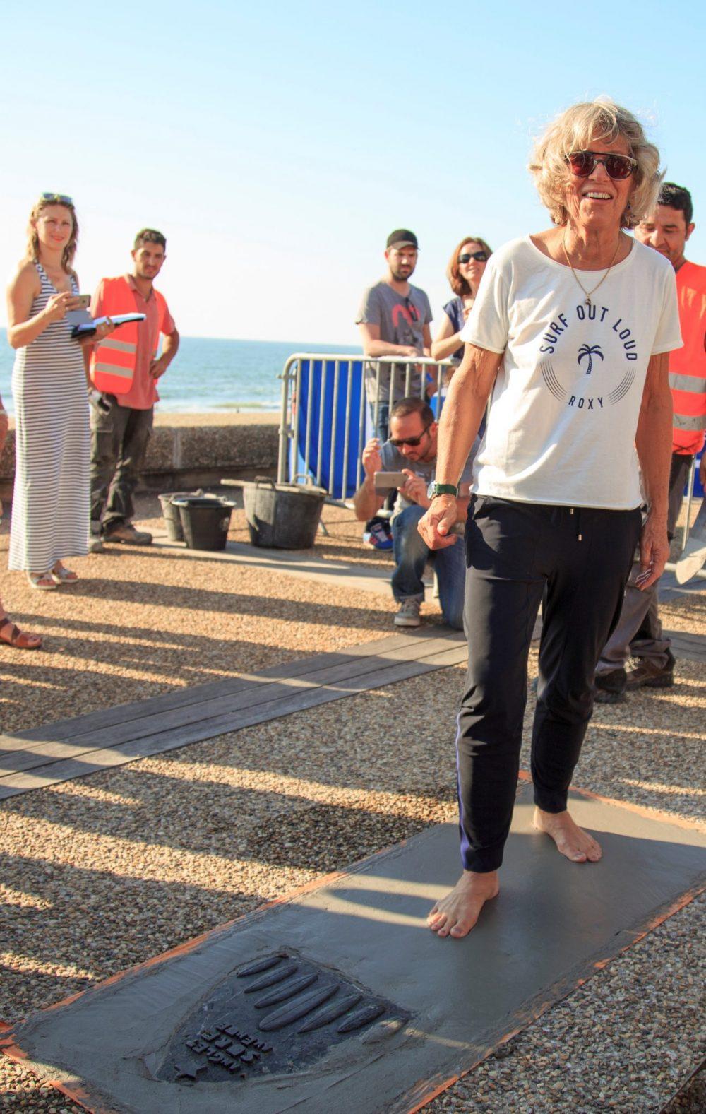 Maritxu Darrigrand dépose ses empreintes sur l'Anglet Surf Avenue