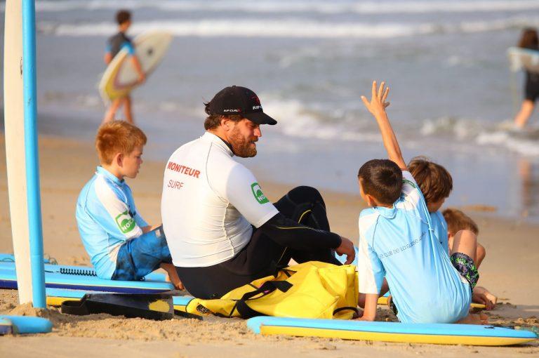ANGLET, DESTINATION SURF – ZOOM SUR LES ÉCOLES DE SURF !