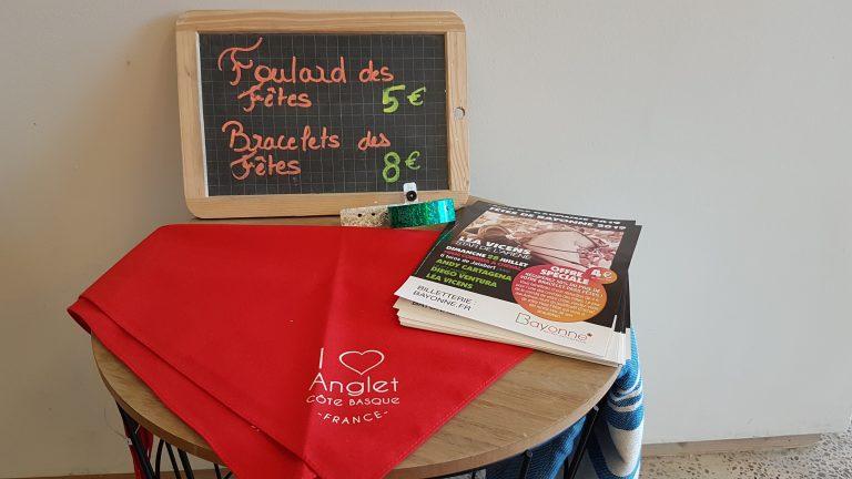 "Bracelet-pass et Foulard des Fêtes de Bayonne ""I Love Anglet"""