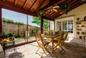 nami-house-anglet-veranda-breakfast-garden